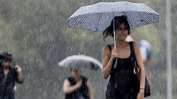 Meteoroloji, Trakya ve İstanbul ile Çanakkale'nin kuzey ilçelerinde sağanak uyarısı verdi. İstanbul için akşam saatlerinden sonra yerel olarak kuvvetli olmak üzere sağanak ve gök gürültülü sağanak yağışlı geçeceği tahmin edilirken sabah saatlerinde sis etkisini gösterdi. AKOM ise İstanbul için kuvvetli yağış uyarısını tekrarlayarak ani sel ve su baskınlarına dikkat uyarısında bulundu.